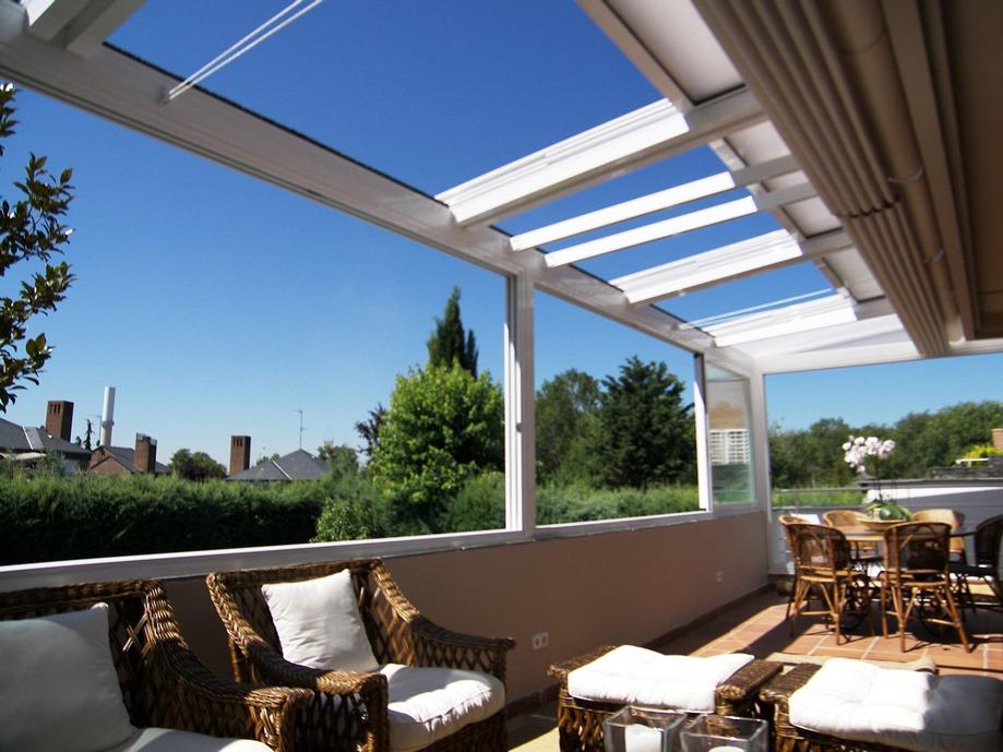 Cerramientos de terrazas cerramientos madrid cortinas for Techos moviles para terrazas precios